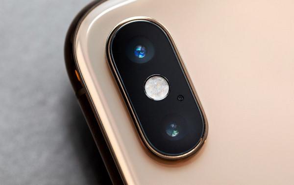 """Camera trên Iphone tuy 'xịn"""" nhưng không cho phép người dùng tùy chỉnh quá nhiều"""
