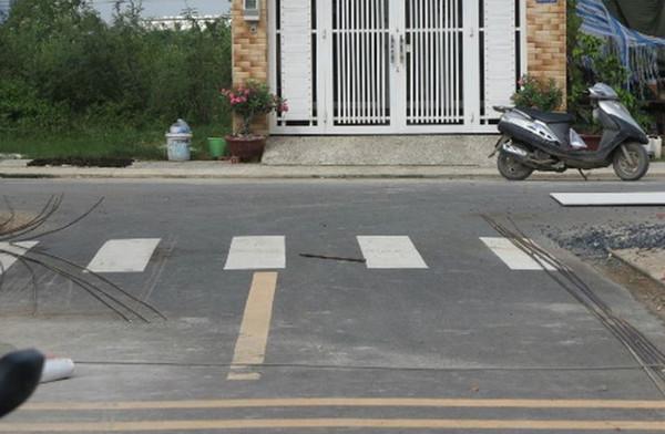 Không mua nhà có đường đi chính đâm thẳng vào